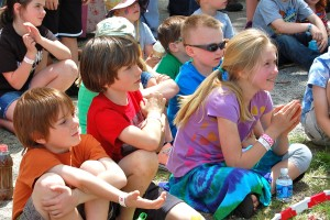 Upclose_of_kids_-_Alberti_Flea_Circus,_MerleFest_2013