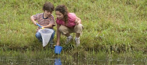 children-on-river_w522_h725